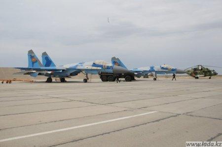 Военные летчики напугали мирных мангистауских сельчан. Казалось бы, при чем тут аким?