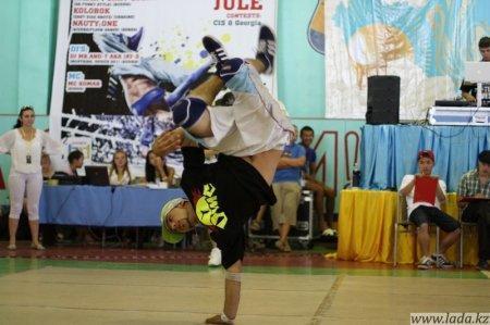 В Актау прошел II отборочный турнир на Чемпионат мира по Break Dance стран Центральной Азии и ближнего зарубежья.