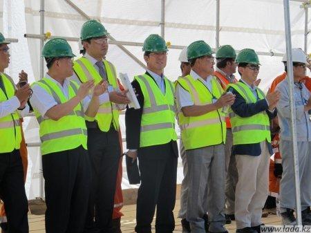 На Каспийской верфи ЕРСАЙ прошла церемония закладки киля буровой баржи «Жамбыл»