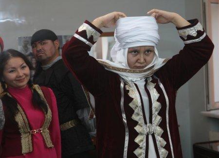 Айнара Жансеитова создает образ своей героини