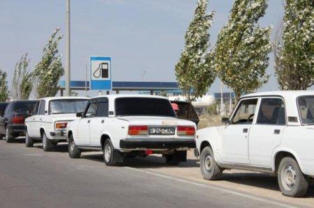 Вслед за бензином на автозаправках Актау наступил дефицит сжиженного газа