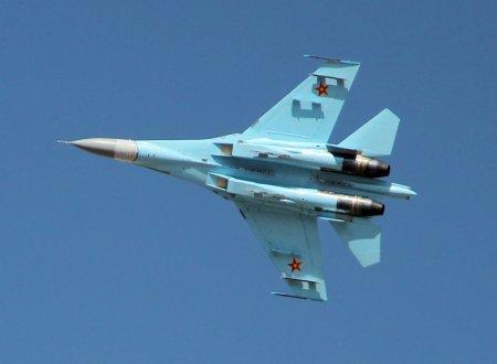 На авиабазу в Актау на Су-27 прилетел министр обороны РК
