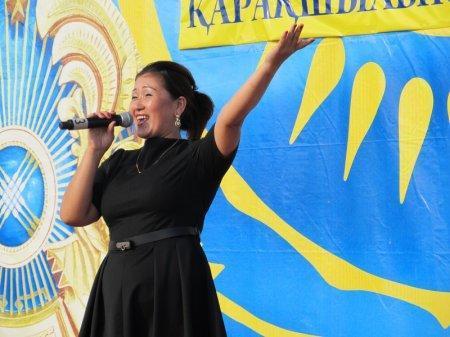 На площади государственных церемоний в Актау прошел концерт в защиту авторских прав