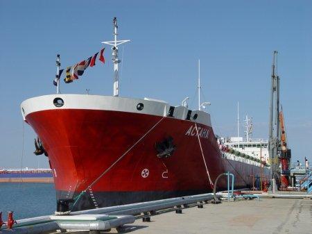 Танкер «Астана» получил повреждения в порту Актау
