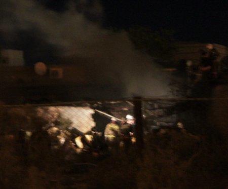 Пожарные тушат огонь на одном из частных предприятий в районе бывшей базы ОРСа
