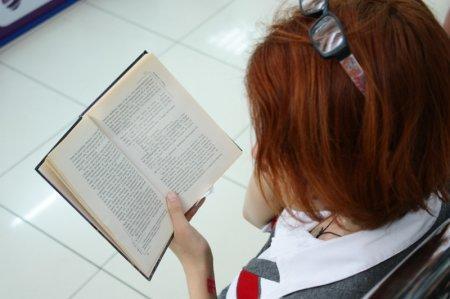 """В Актау прошел """"литературный"""" флешмоб"""
