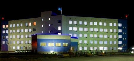 Новое здание ночью