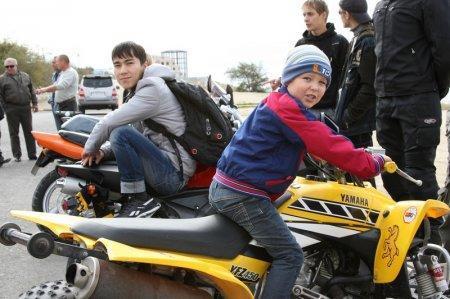 Байкеры Актау закрыли мотосезон-2011