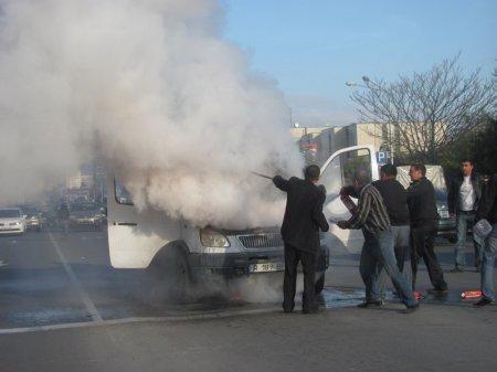 Утром 24 октября на центральной дороге горела ГАЗель