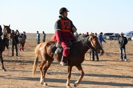 Бектас и лошадь Шабдаркаска успешно прошли первый участок 30 км