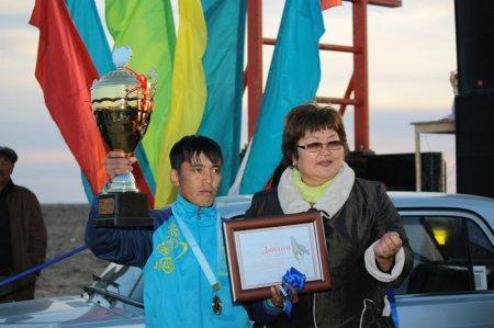 Победитель дистанции 120 км Амангельды, приз ВАЗ-2113