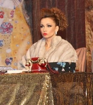 В Актау прошел спектакль «Однажды знойной ночью» с участием Андрея Носкова, Анфисы Чеховой и других