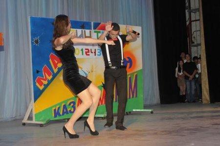 В Актау состоялся КВН среди школьников и студентов, посвященный 50-летию международного союза КВН