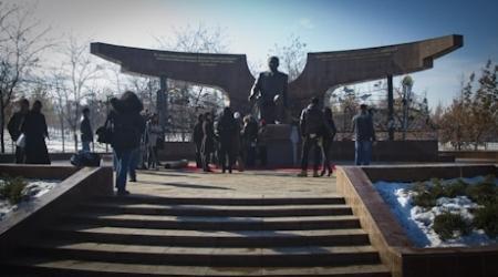 ФОТО: В Алматы открыли памятник Назарбаеву