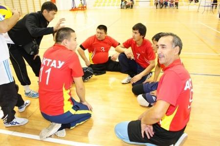 В Актау стартовал чемпионат Казахстана по волейболу сидя среди спортсменов-инвалидов