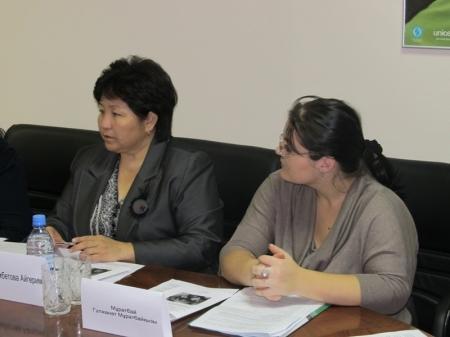На встрече в Актау обсудили возможность обучения детей с ограниченными возможностями за одной партой со здоровыми детьми