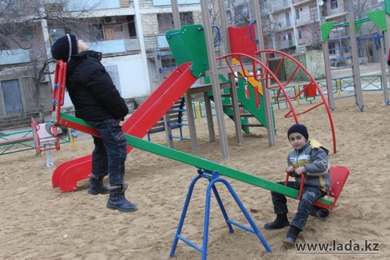 Детские площадки в Актау строятся на спонсорские деньги