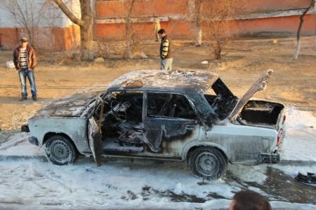 Машина загорелась (ВИДЕО и ФОТО) - дополнено
