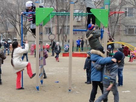 В 26 микрорайоне  Актау  открыли новую детскую  площадку