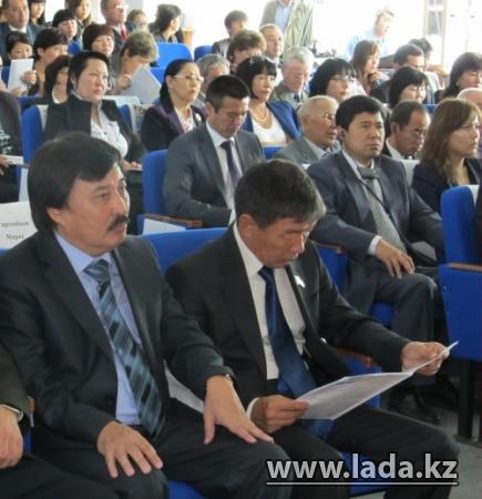 В Актау казахский язык будут преподавать по новым технологиям