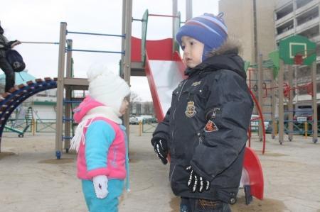В преддверии Нового года в Актау открылись сразу две новые детские площадки