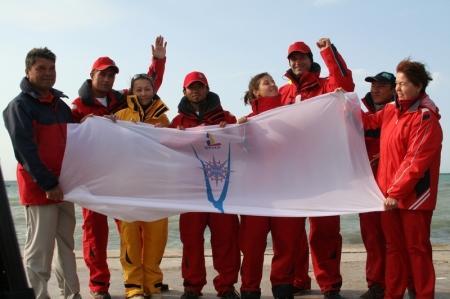 Экипаж яхты «Чокан Валиханов» поздравляет родной город Актау с Новым годом