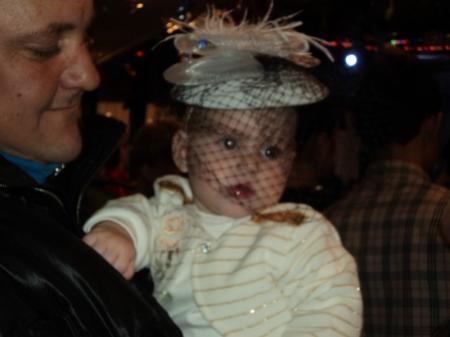 Водила детей на праздник в ДК Абай и увидела там двух ангелочков (детишек)