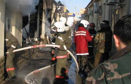 В Актау пожар на складе стал причиной гибели человека