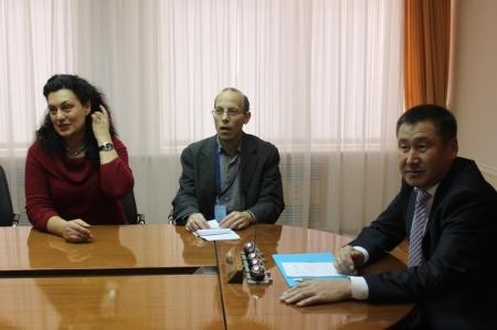 В Актау на выборы прибыли наблюдатели из США