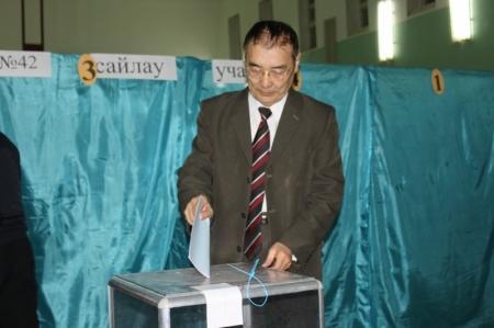 Есен Кумискали: Активность избирателей Актау высокая
