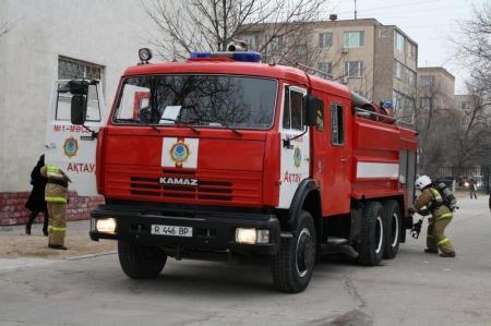 В школе №8 города Актау прошли пожарно-тактические занятия, в которых приняли участие более пятисот школьников