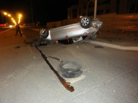 В Актау после ДТП с опрокидыванием из трех 18-летних людей выжили двое