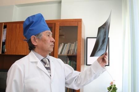 В честь юбилея хирурга Сулеймена Бердаулетова в Актау прошла научно-практическая конференция