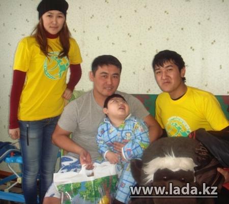 Студенты Актау решили взять шефство над детьми-инвалидами