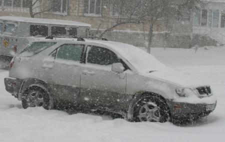 В Мангистауской области из за снегопада закрыты дороги