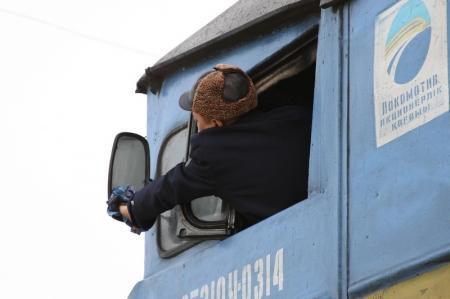 На станции Бейнеу в Мангистауской области застряли поезда