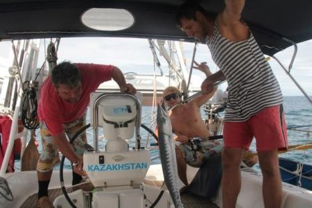 Яхту «Чокан Валиханов» не пускают в Индонезию
