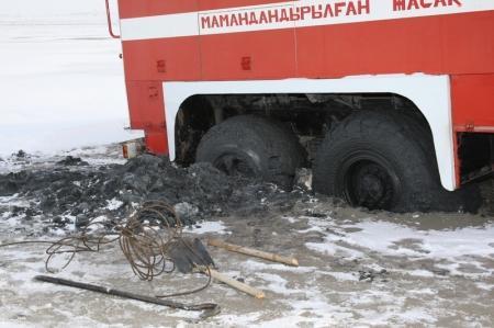 В cоре возле Актау застряли несколько автомобилей и две пожарные машины