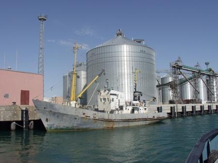 Морпорт Актау подозревается в необоснованном отказе в перевалке зерна