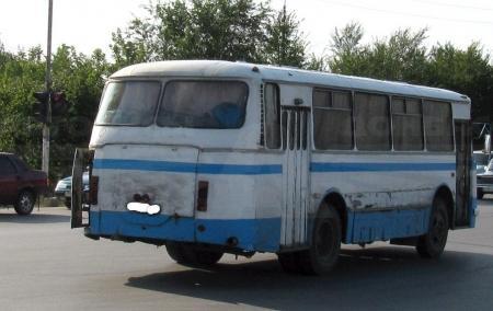 В Актау по вине водителя «Мазды» пострадала беременная пассажирка автобуса