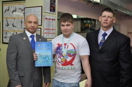 В Актау определились победители областного турнира по жиму штанги