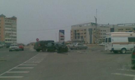 В Актау столкнулись два «Мерседеса». Есть пострадавшие