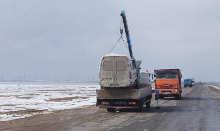 "На автотрассе Актау-Жанаозен перевернулась ""Газель"""