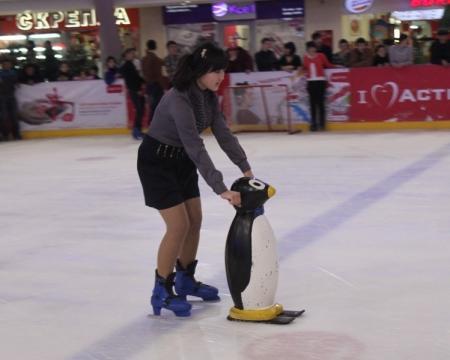 В Актау прошли «веселые старты» на льду