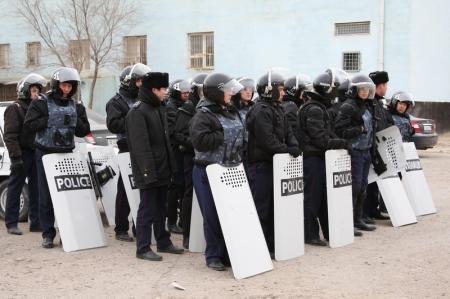 Полицейским Жанаозена угрожают за показания против участников беспорядков (ДОБАВЛЕНО ВИДЕО)