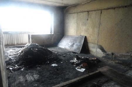 В Актау выясняют причины пожара, в результате которого сгорело восемь квартиррело 8 кватир