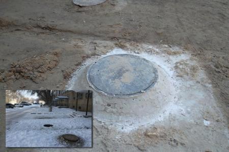 В шестом микрорайоне Актау закрыли восемь из 23 открытых канализационных люков