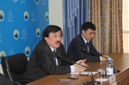 В Актау депутаты маслихатов всех уровней приняли участие в благотворительной акции