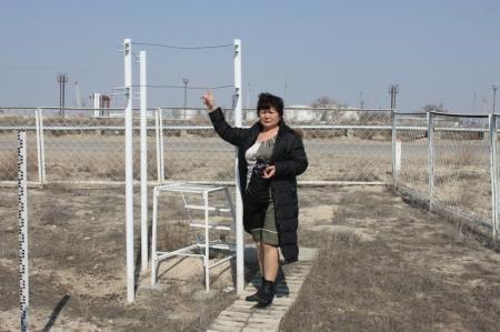 Гололедный станок, на котором измеряется ширина и толщина изморозьных отложений