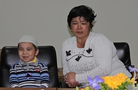 Малышу Мукасану Амангельды, который перенес 12 операций, требуется помощь
